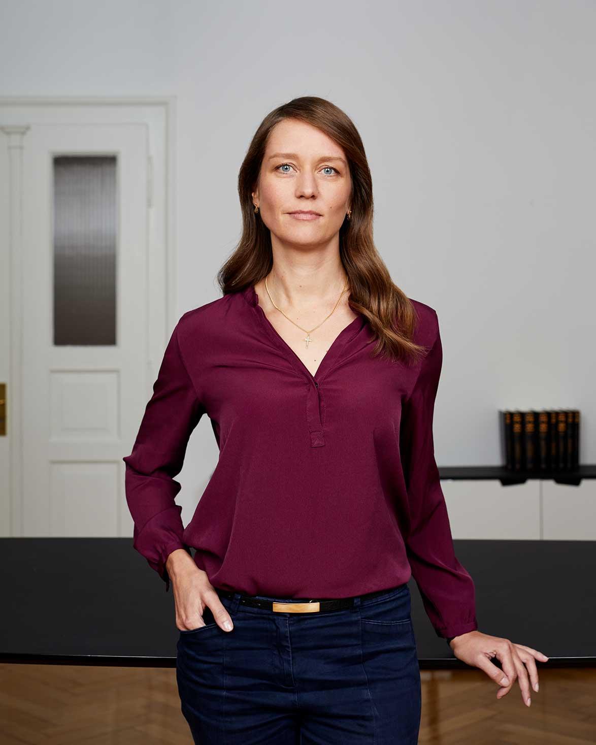 Carolin König - Anwältin für Energiewirtschaftsrecht, Konzessionsvergaben und Recht der Wärmeversorgung